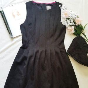 Vince Camuto| Little Black Dress